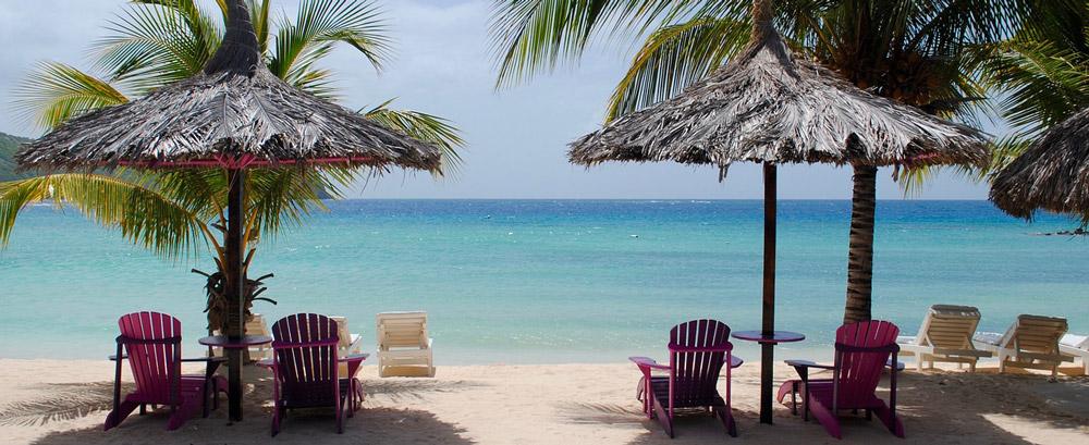 Um die Sonne im Urlaub zu genießen, sollte man die Sonnencreme nicht vergessen