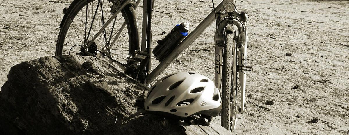 Mit eine Fahrradhelm sicher durch das Strassenverkehr