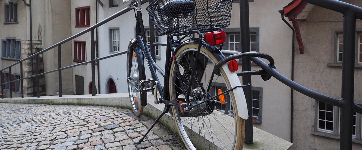 Das Fahrrad mit einem Fahrradschloss vom Diebstahl schützen