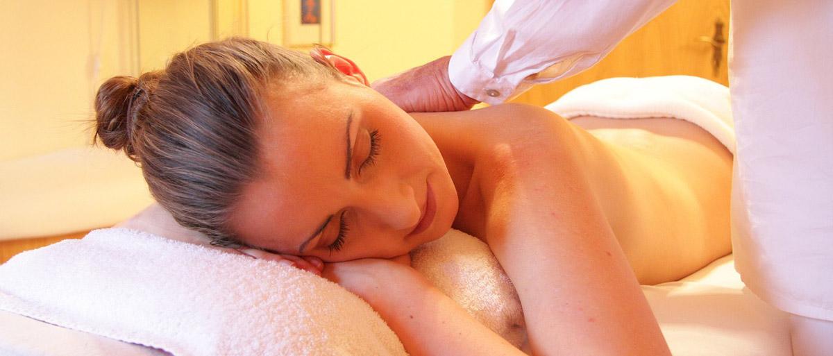Pflegendes Massageöl für straffere Haut