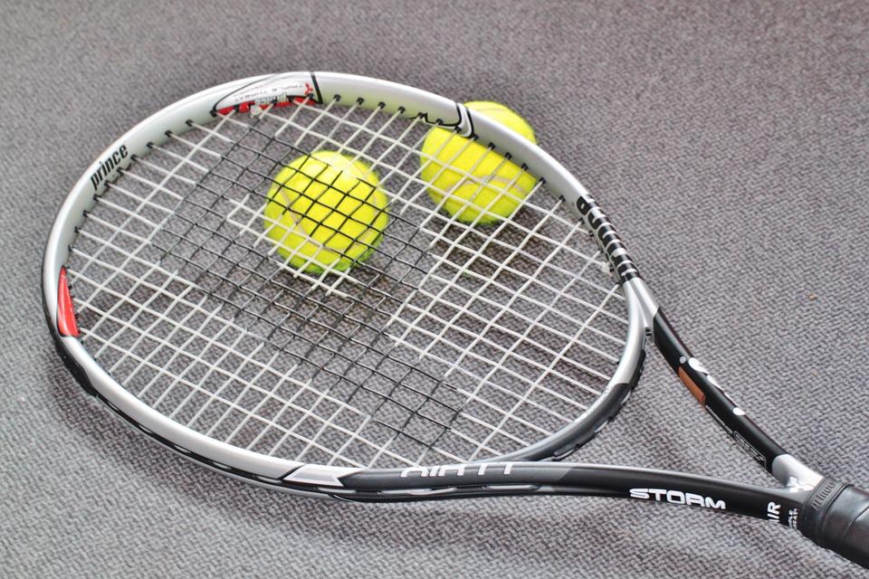 Tennisschläger im Vergleich
