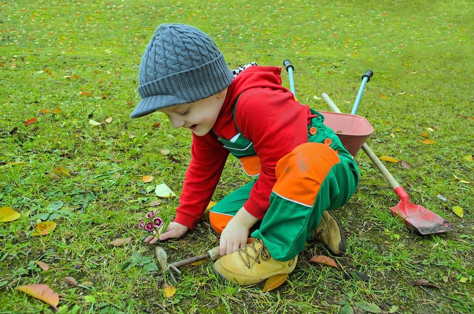 Spaß im Garten - mit den richten Kinder Gartengeräten ist das garantiert