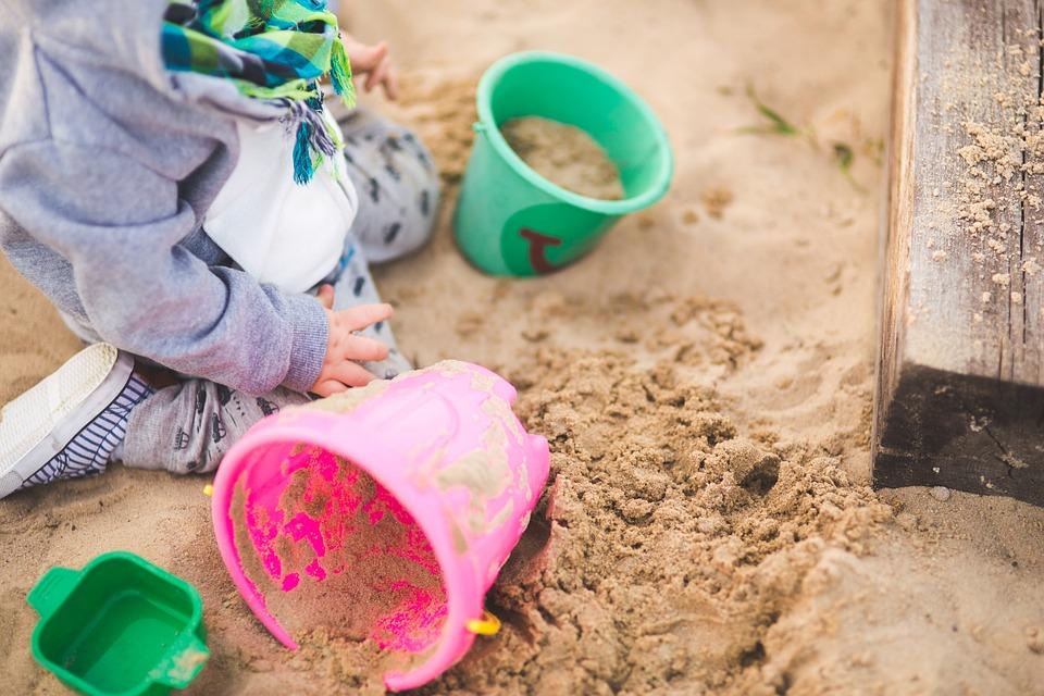 Sandkasten Tipp: Schauen sie sich die Testsieger bei Stiftung Warentest, Ökotest, ETM-Magazin & Co an.