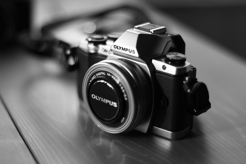 Olympus Digitalkamera Tipp: Schauen sie sich die Testsieger bei Stiftung Warentest, Ökotest, ETM-Magazin & Co an.