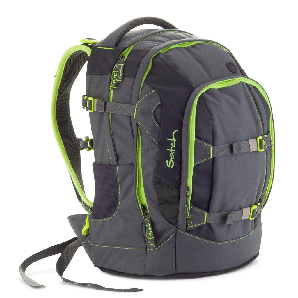 Der Satch Schulrucksack im neuen sportlichen Design kombiniert das Ergonomiekonzept innovativer Wanderrucksäcke mit allem, was eine Schultasche leisten muss. Vor allem Bücher und Hefte sind geschützt