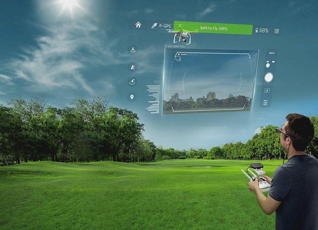 Die Moverio BT-300 enthält die hochmoderne, auf Silikon basierende OLED-Technologie (Organic Light Emitting Diode, organische Leuchtdiode) von Epson für digitale Displays. Dadurch hat Epson die leichteste halbtransparente Multimedia-Brille mit OLED-Display geschaffen, die es auf dem Markt gibt – noch dazu mit bisher unerreichter Bildqualität