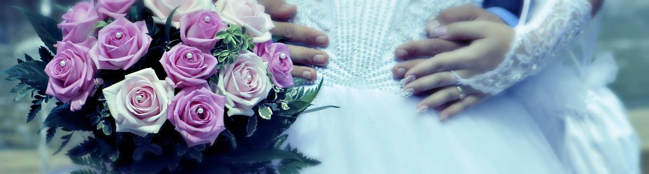 Geheiratet wird nur einmal im Leben. Von daher ist es auch bei einer Hochzeitkerze wichtig, sich keinen Fehlgriff zu erlauben